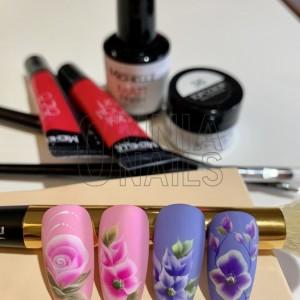 Nail art floreali varie tecniche